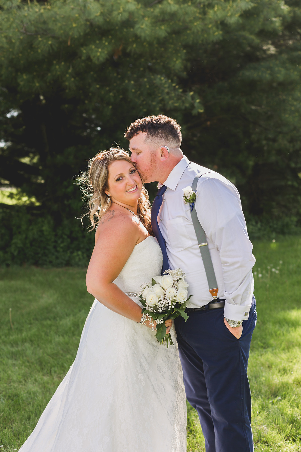 Micro wedding, bride and groom, Illinois wedding photography