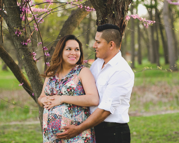 Spring maternity session at Fabyan Forest Prserve in Geneva IL. Composed and Exposed Photography