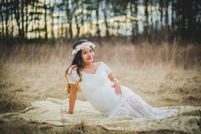Maternity photographer. Leroy Oaks St. Charles IL #MaternityPhotos