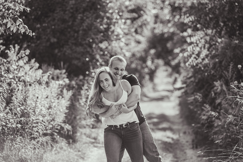 Illinois engagement session. 10 Things to Ask Your Wedding Photographer