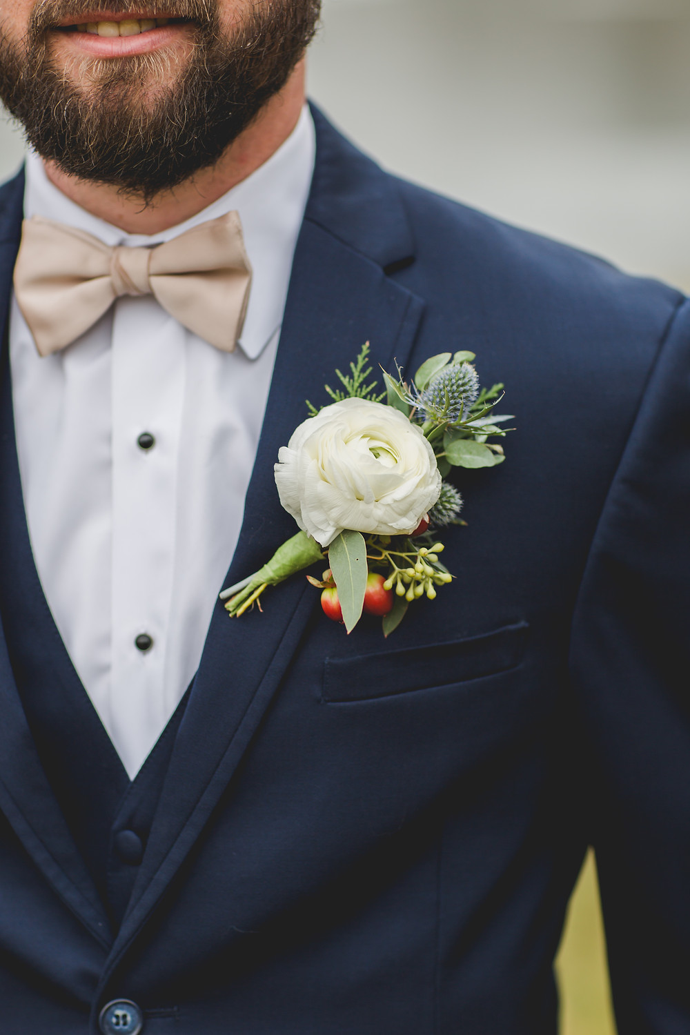 boutonniere, groom, wedding photography, wedding photographer