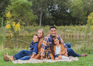 family photography. South Elgin IL photographer. Family photographer. Composed and Exposed Photography