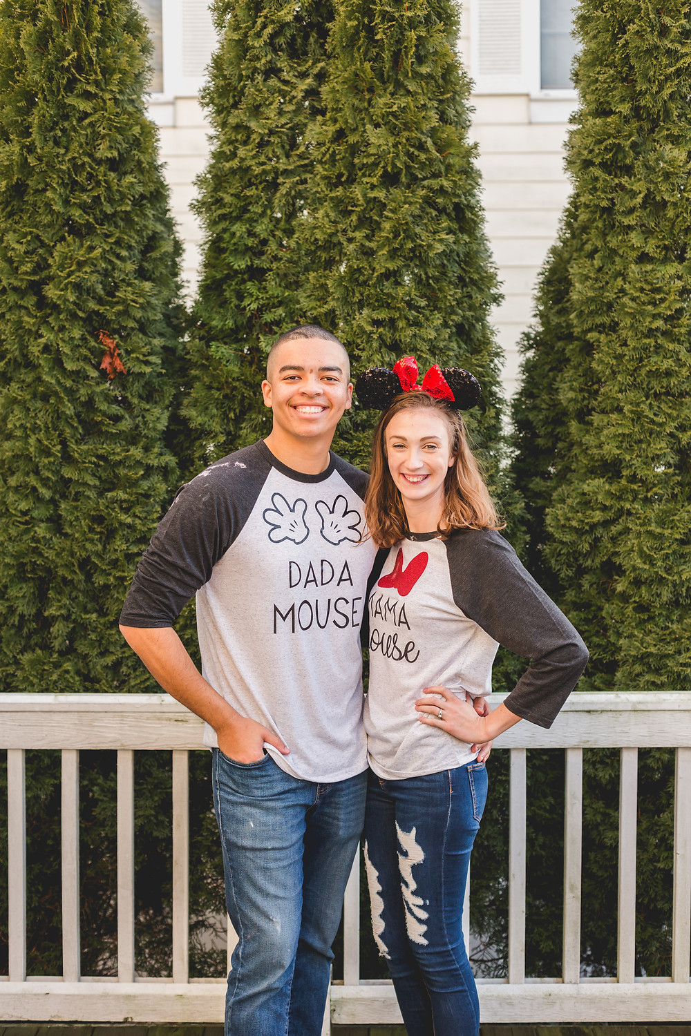 Micky Mouse mom and dad. South Elgin Photographer