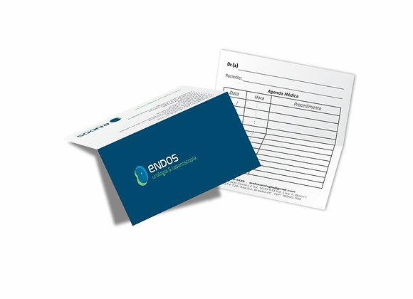 500 Cartão Duplo com Vinco 88x98mm Couchê Brilho 250g 4x0 Verniz Total Brilho