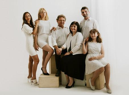 Rodzinna sesja WHITE jako prezent od dzieci dla rodziców