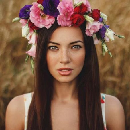 FEMMES UKRAINIENNES, RUSSES, BIÉLORUSSES : SIMILITUDES ET DIFFÉRENCES