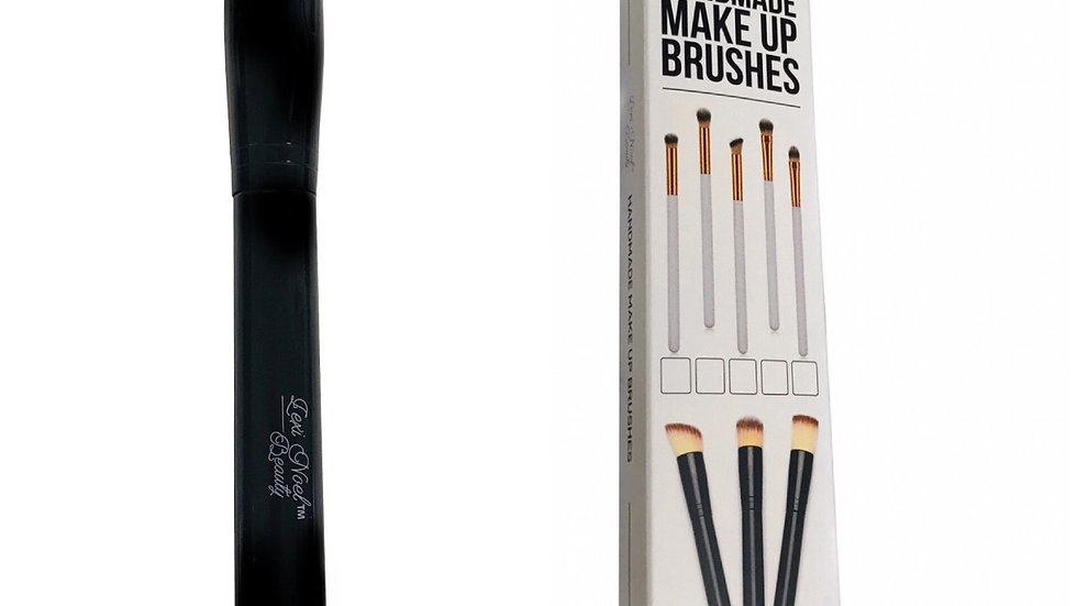 One Blending Contour Makeup Brush with cruelty free fibers.