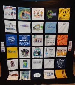 t-shirt quilt queen.jpg