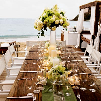 Beach wedding - Farm house tables