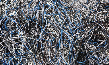 shutterstock_143890660_Cable_Mess.jpg