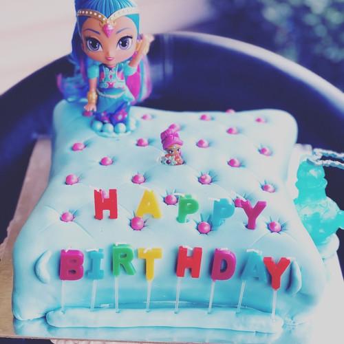 Genie Birthday Cake