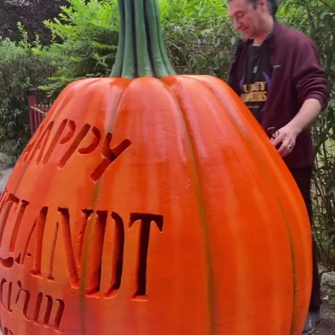 Giant Pumpkin_Corltandt.mp4