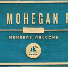 Lake Mohegan Park