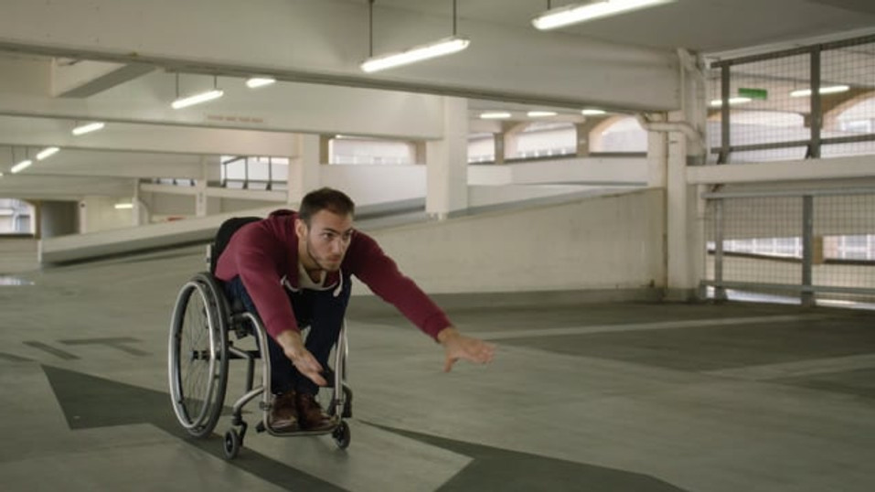 Wheelchair Swimmer-Be Inspired