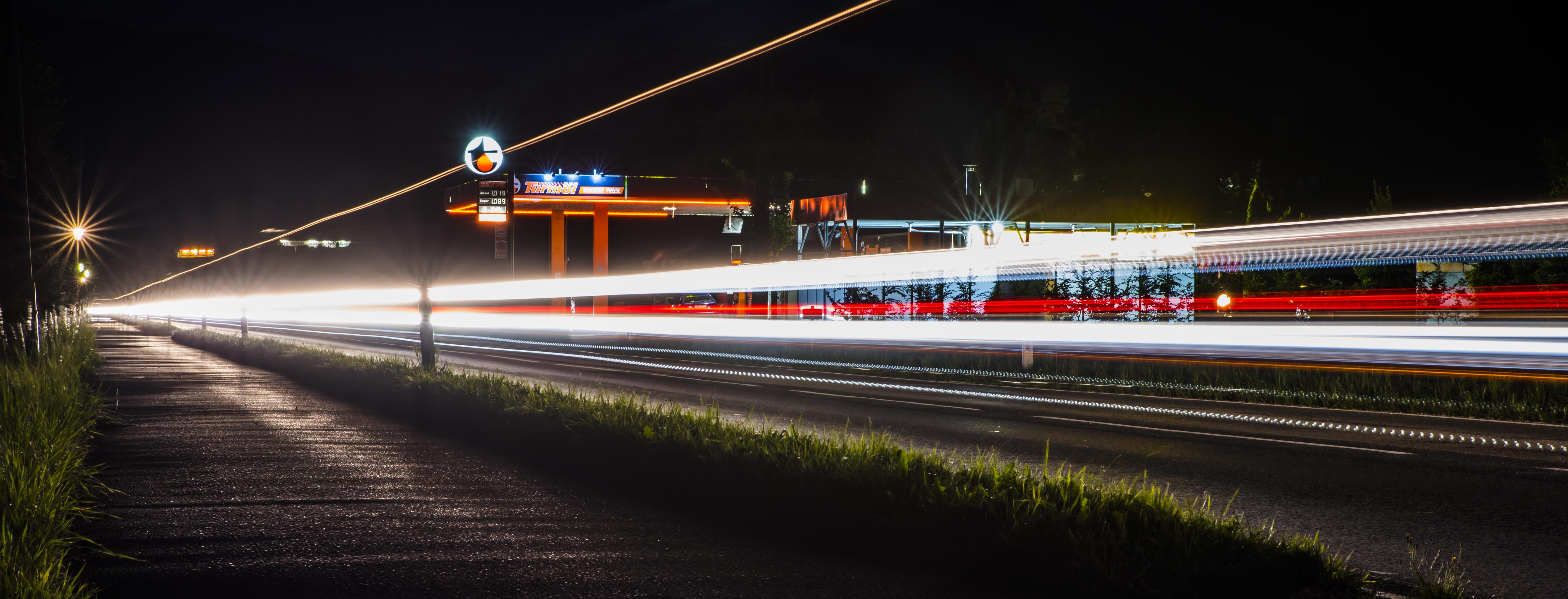 Tankstelle_Nacht