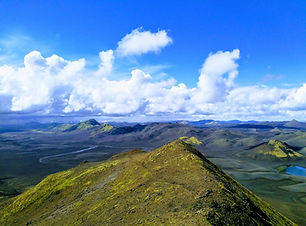 The raw, unspoilt nature of Iceland is the cor of our Fjallabak Highlands day tour