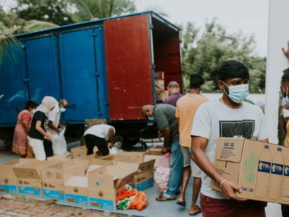 Brickfields Asia College helps flood victims in Pahang