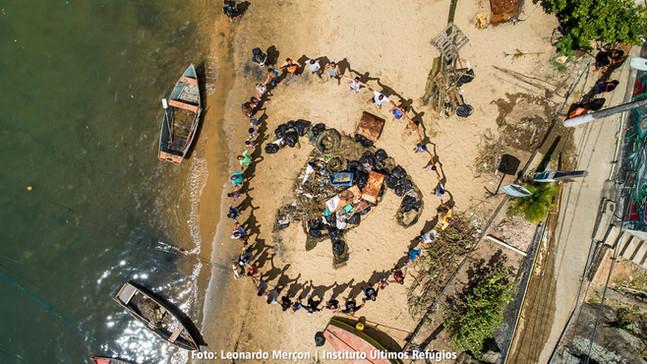 Mutirão de limpeza em Vitória no Espírito Santo reúne comunidade capixaba em defesa da vida marinha!