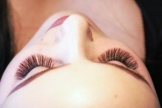 Full Set of lash extensions