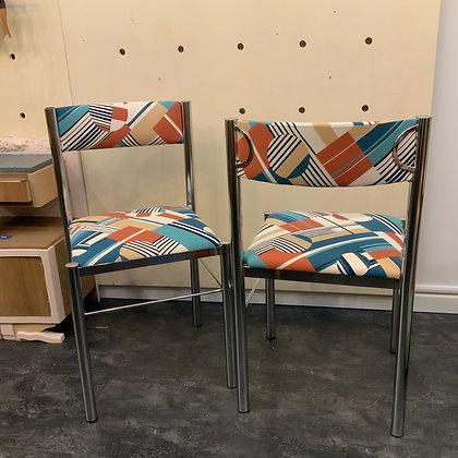Paire de chaises géo bleues
