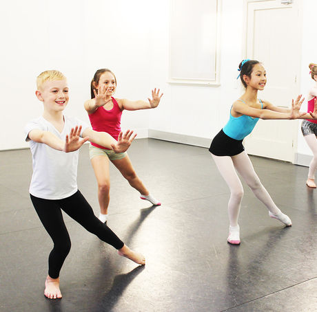Intermediate Lyrical ages 10-15yrs