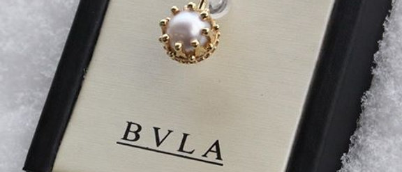 BVLA - 14K Yellow Gold Crown/ White Pearls