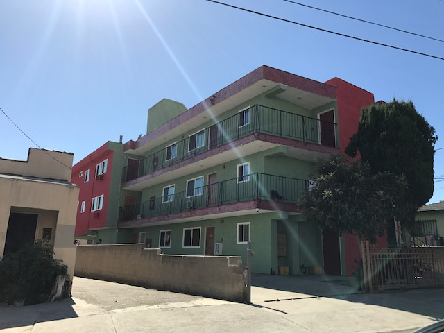 SOLD | 7 UNIT APARTMENT COMPLEX