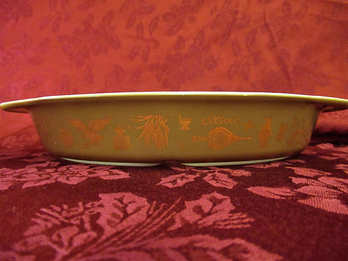"""Pyrex """"Early American"""" Divided Dish"""