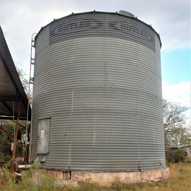 silo b.jpg