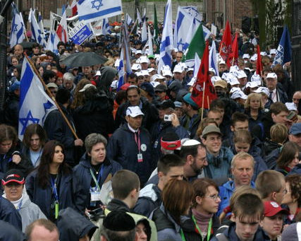 Moshe Feiglin on Reshet Bet Radio : Make Memory of Holocaust Meaningful by not Marching There