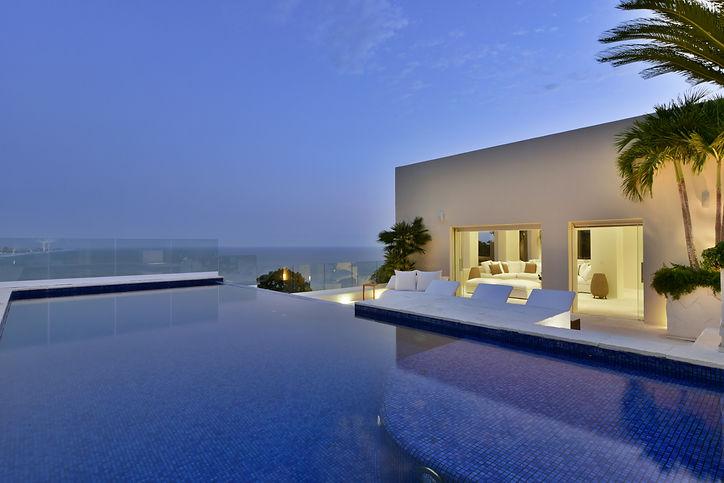 Pool03.jpg