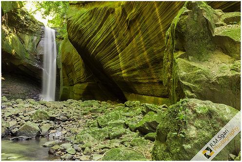 Ref.10002 - Cascata das Andorinhas (Rio Grande do Sul)