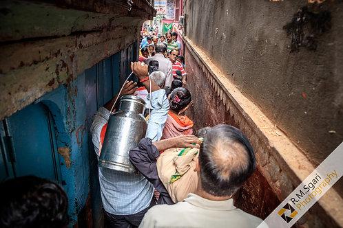 Ref.62031 - Streets of Varanasi