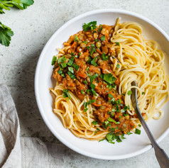 Vegetarian-lentils-bolognese-pasta-with-