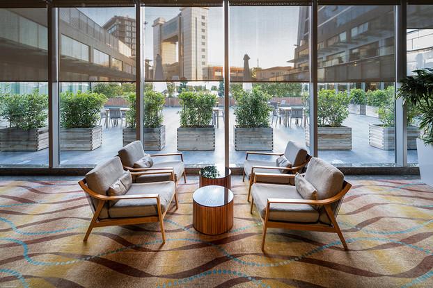 itanic-Business-Bayrampaa_Foyer.jpg