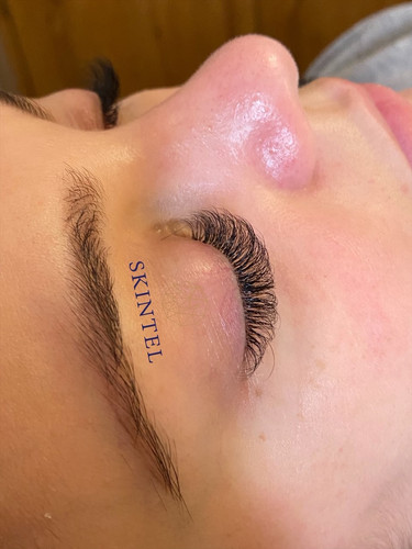 lashes top view.jpg