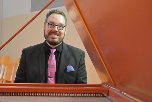 Guy Whatley, harpsichord
