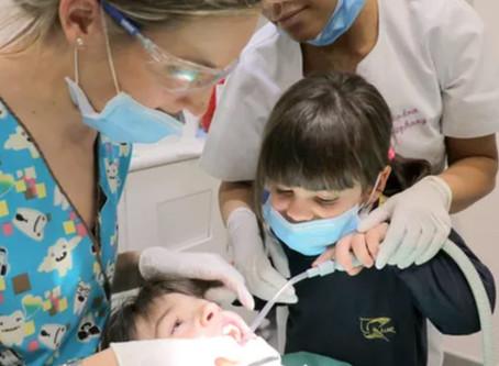 ¿A qué edad debo llevar al dentista a mi hijo? Clínica dental en Sant Boi