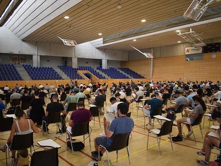 Prop de 300 aspirants a Viladecans es presenten per formar part de la Policia Local a les oposicions