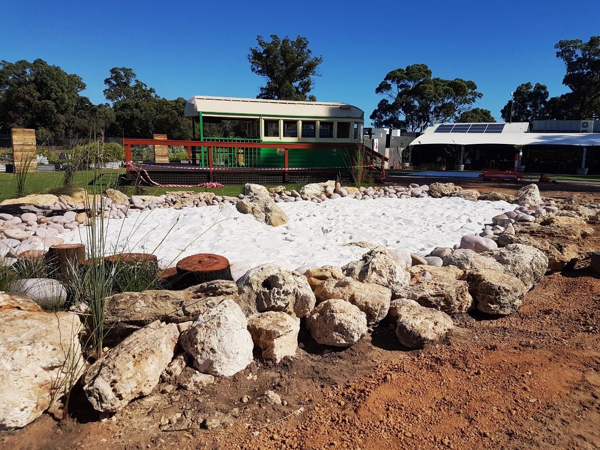 Tram & sandbox 1