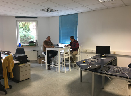 Büro bezogen und eingeräumt