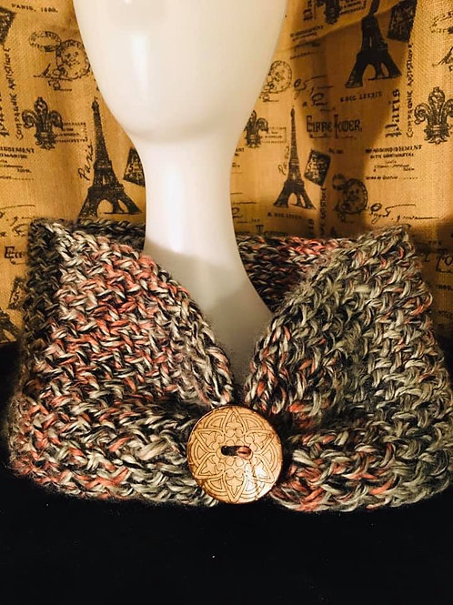 Loom Knitted Loop Scarf with Button