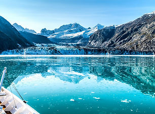 8113770-cruise-ship-in-glacier-bay-cruis