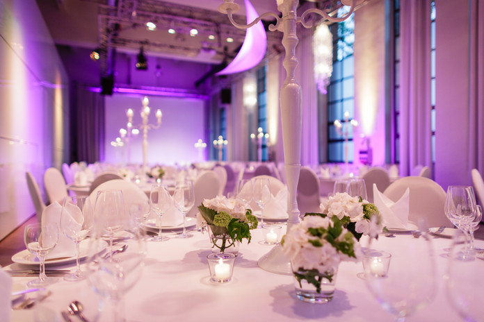 Hochzeitslocation-Tischdekoration-1