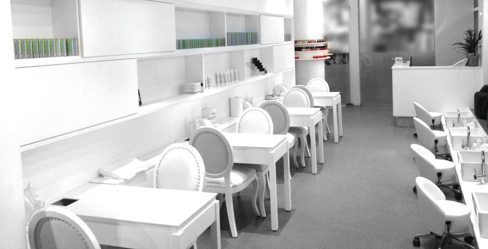 עיצוב חנויות טיפוח בלבן