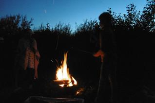 Camping Husternoard in Oudwoude Friesland met kampvuur