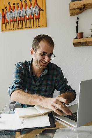 business man laptop group coaching.jpg