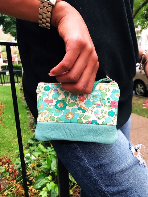 leather coin purse - truquoise floral print