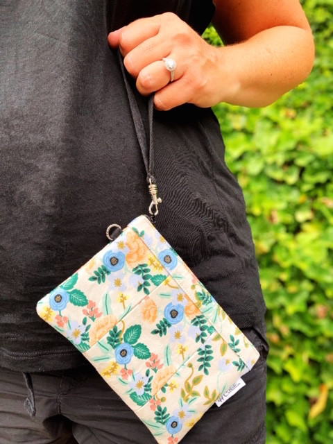 small wristlet purse - blush floral