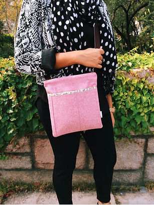 crossbody-bag-pink-wool.jpg